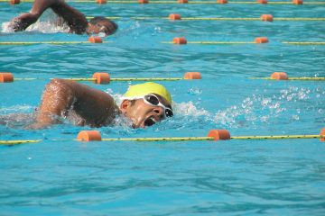 bajar-de-peso-natacion